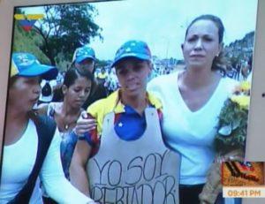 Maria Corina Machado abraza a Sugey Armas