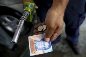 La gasolina es casi gratuita /Reuters
