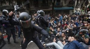 Los votantes catalanes no estaban armados