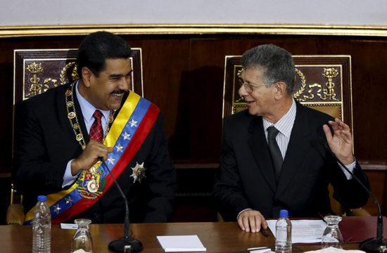 Maduro y Ramos Allup se sonríen